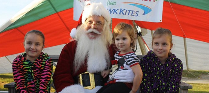 Outer Banks events - Hangin with Santa - Kites with Lights - Kitty Hawk Kites