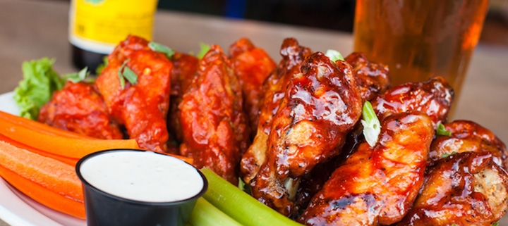 Outer Banks restaurant specials - wings - football